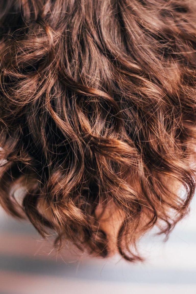 Zdrowe i puszyste włosy dzięki profesjonalnym kosmetykom
